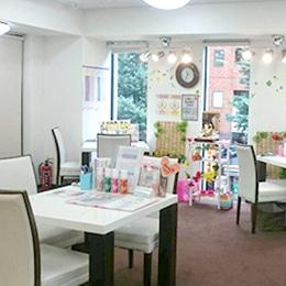 ビー・エスコート ビー・エスコート 新宿西口店