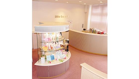 ビー・エスコート 鈴鹿店の店舗写真