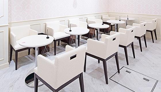 銀座カラー 新潟万代シティ店の店舗写真