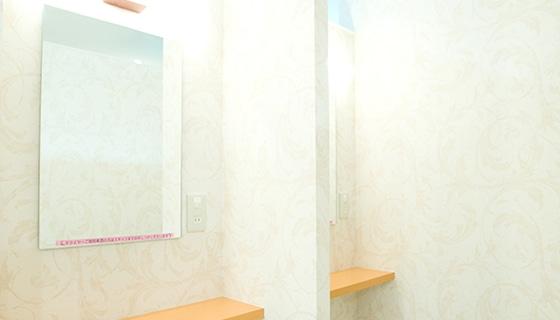銀座カラー 新宿東口店の店舗写真
