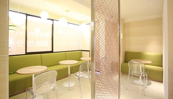 銀座カラー 立川店の店舗写真
