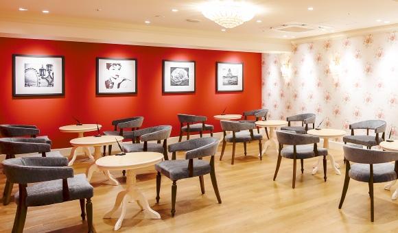 銀座カラー 新宿店の店舗写真